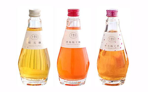 【�l�F美酒】十里白花果酒,三重口味任你�x��