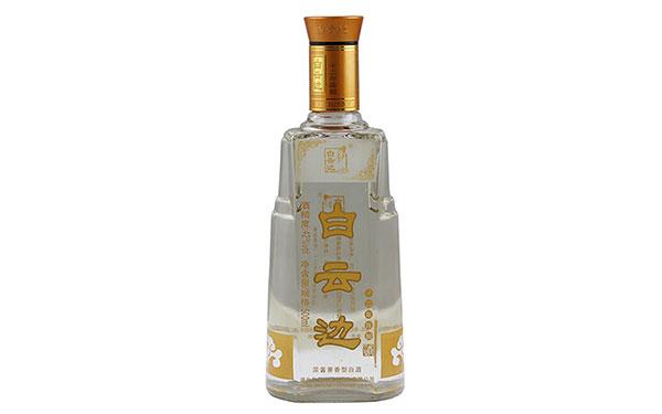 【发现美酒】白云边十二年陈酿,浓酱兼香礼品酒