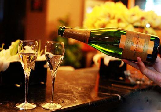 香槟咏叹调钢琴简谱